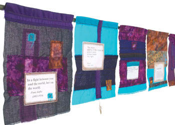 Easy Applique Quilt: Flying Colors by Mary Stoudt