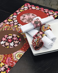 Quilted Table Runner and Napkin Rings: Table Runner & Napkin Rings