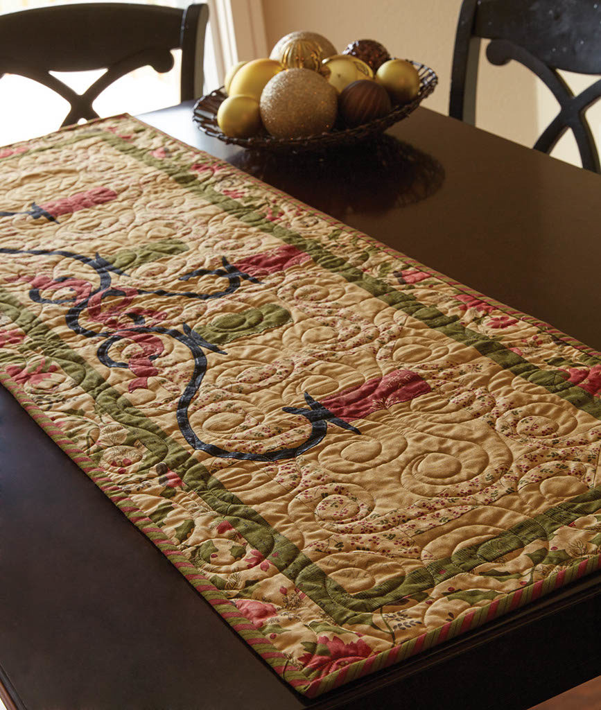 Candlelight Table Runner Fons Amp Porter The Quilting