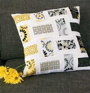 Crazy for Daisies: FREE Quick Sophisticated Throw Pillow Pattern ... : quilted pillow patterns - Adamdwight.com