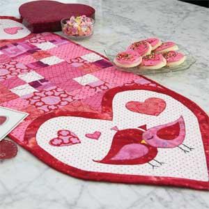 Außergewöhnlich Lovey Dovies: Fast Fusible Hearts U0026 Birds Table Runner Quilt Pattern