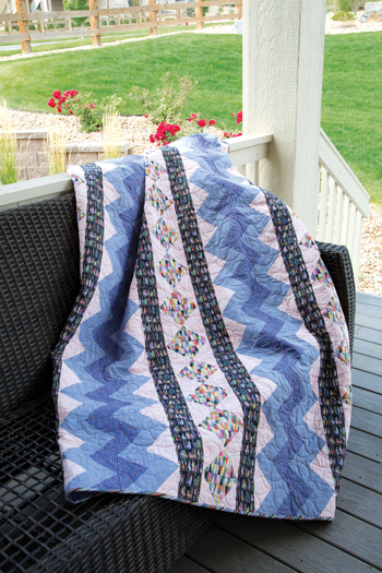 QM1702 ZIPPITY 350style New Issue: Quiltmaker January/February 17