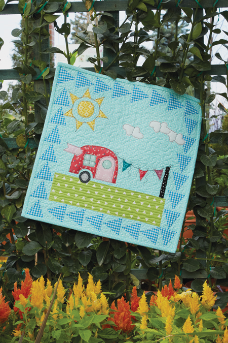 QM1708 CAMPER 450style New Issue: Quiltmaker July/August 17
