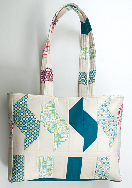 QMMP 130400 tote back 450 The Math of 150 Quiltmakers; Giveaway!