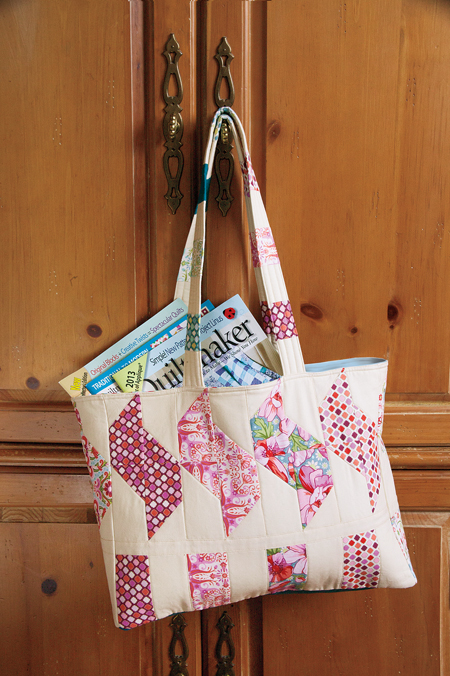 QMMP 130400 tote 450 The Math of 150 Quiltmakers; Giveaway!