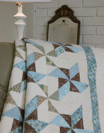 Blue Ribbon Swirls Lap Free Queen Quilt Pattern The Quilting Company