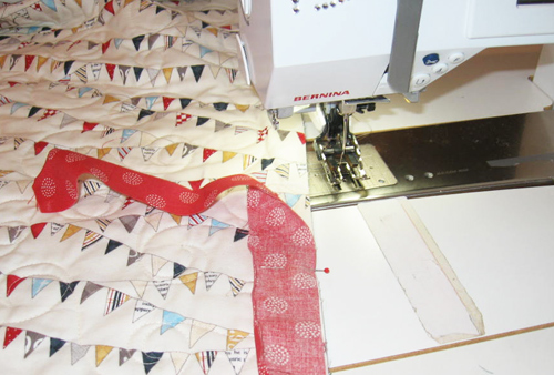 binding5 Mock Hand Quilt Binding by Machine