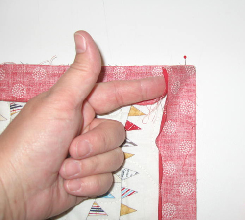 binding9 Mock Hand Quilt Binding by Machine