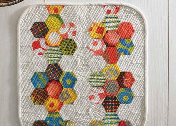 Hexagon Based Easy Quilts: Hex Super Mini Quilt by Malka Dubrawsky