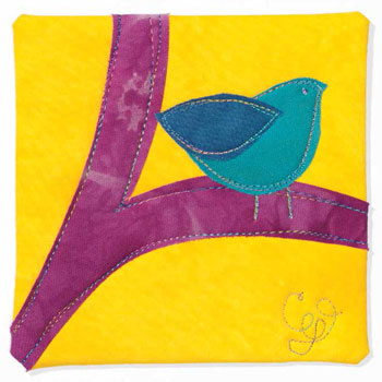Make easy sewing projects like this bird mini quilt when you download this free eBook!