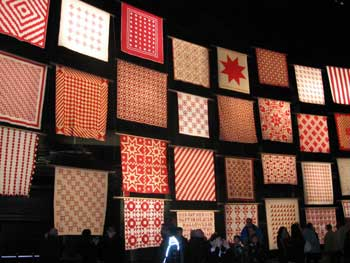 invar3 Infinite Variety: Red & White Quilt Exhibit
