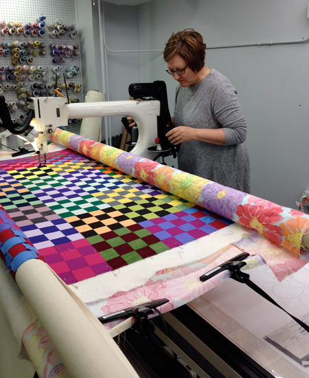 sissies2g Learning to Quilt on a Longarm