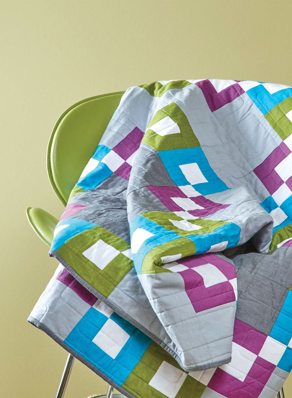 Modern Irish Chain Quilt by Heather Kojan