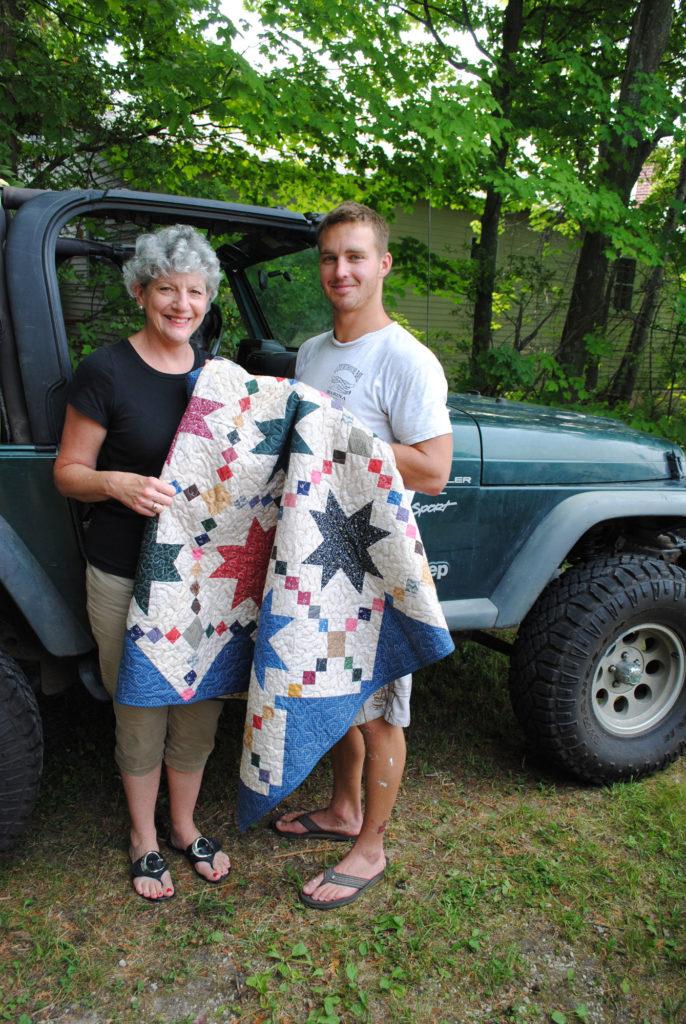 quilts-of-valor-Marianne_Fons_Awarding_QOV