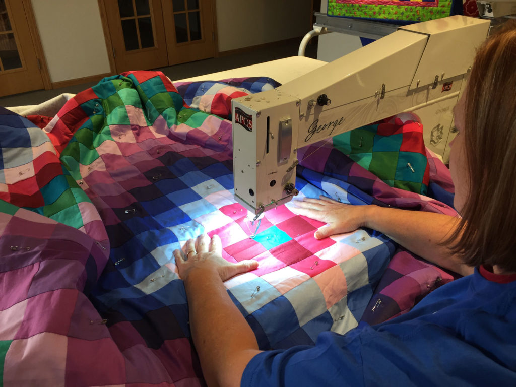 how-to-baste-a-quilt-sandwich-1-sit-down-george