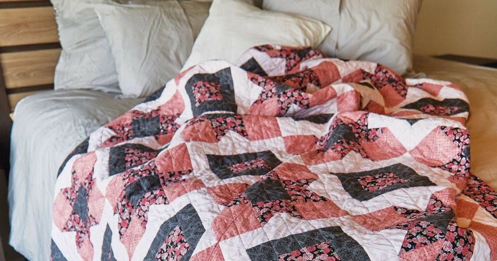 quilt-parisian-holiday-style