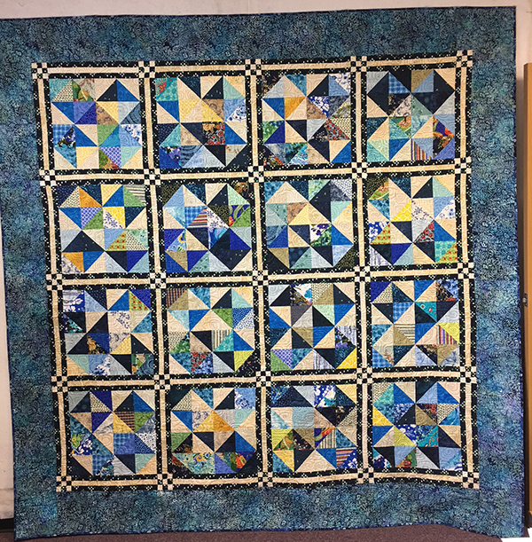 domestic machine quilting with rulers: Paint the Attic Blue