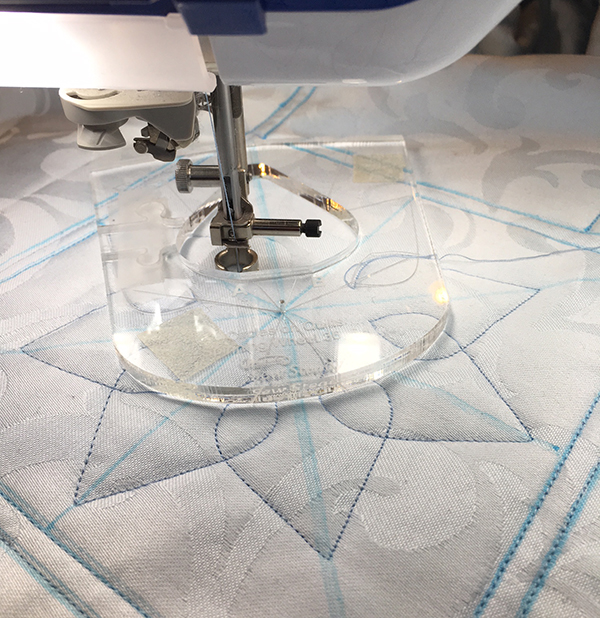 domestic machine quilting with rulers: What a Slick Ruler