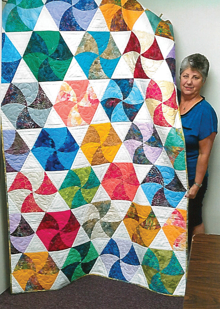 Twisted Triangle quilt by Yvonne McCaw