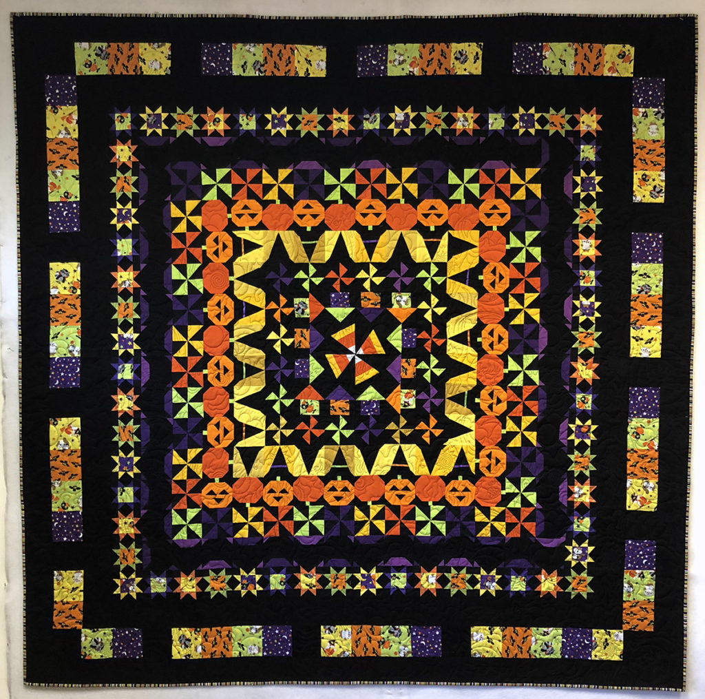 Tricia's finished Bitty Boo quilt, quilted by Judy & Matt Lanza, A Better Quilt, Arvada, Colorado