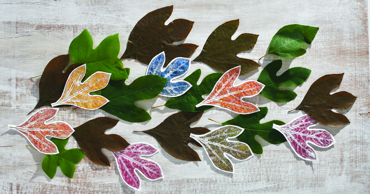 Learn to print with leaves in this easy-to-follow tutorial.