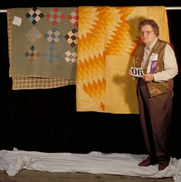 Anita Murphy interviewed for Quilt Alliance's QSOS by Janell Epp in 1999.