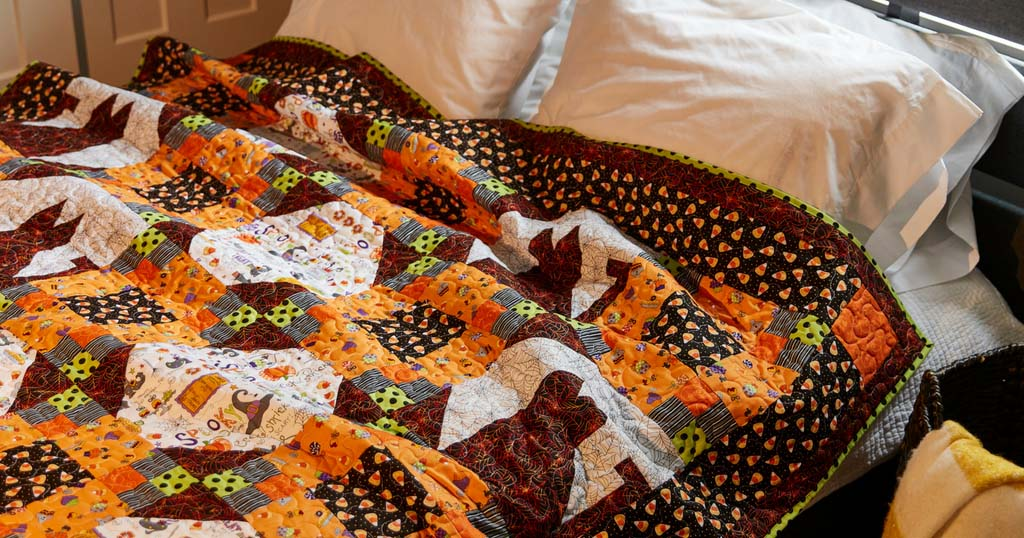 love-of-quilting-september-october-2018-trick-or-meow-featured